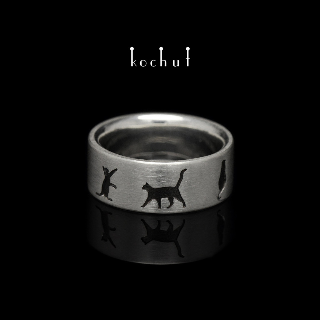 """The ring """"March cats"""". Silver, oxidation"""