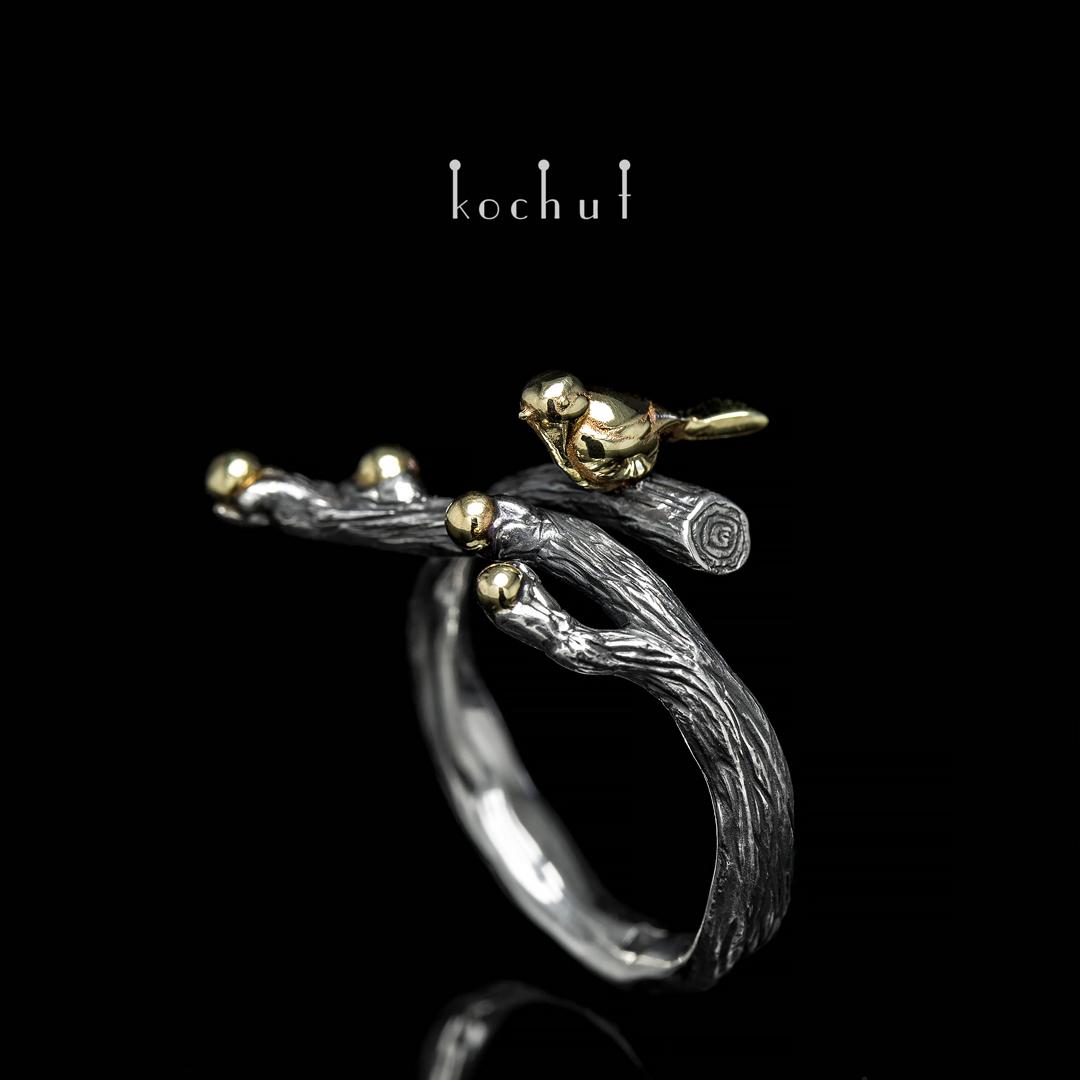 "Ring ""Birdy"". Silver, oxidation, gold"