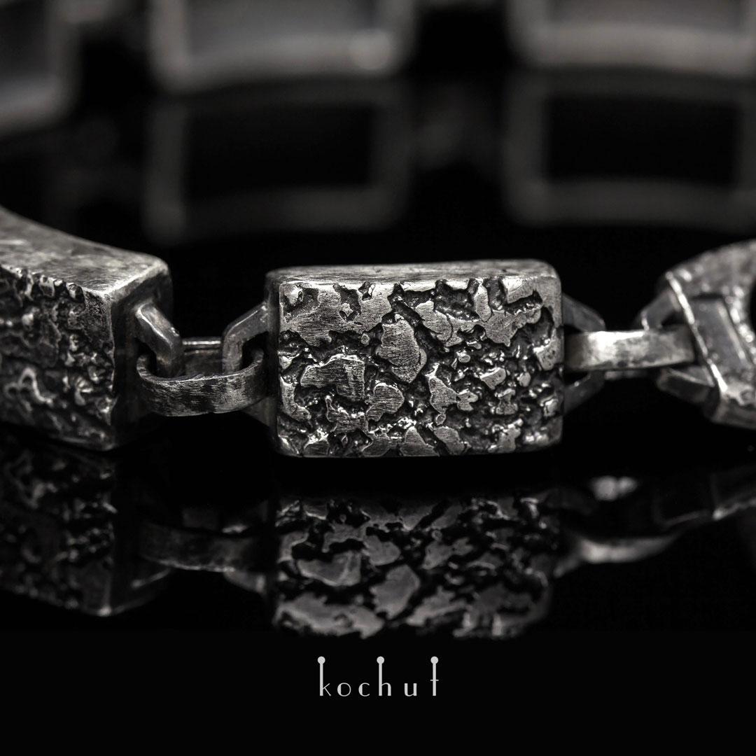 "Bracelet ""Fortress of the spirit."" Silver, oxidation"