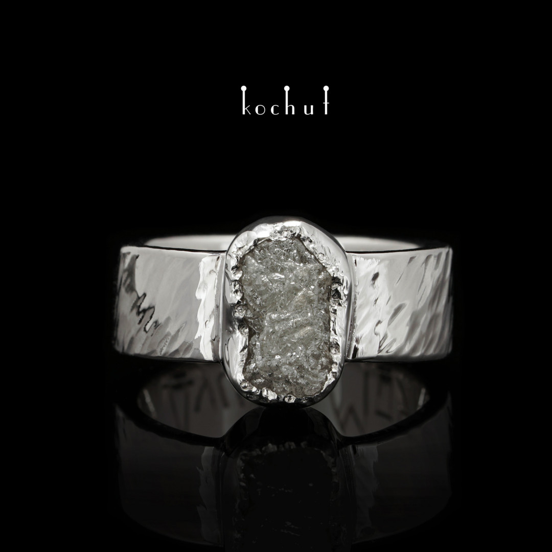 "Ring ""My Soul"". 18K White Gold, diamond"