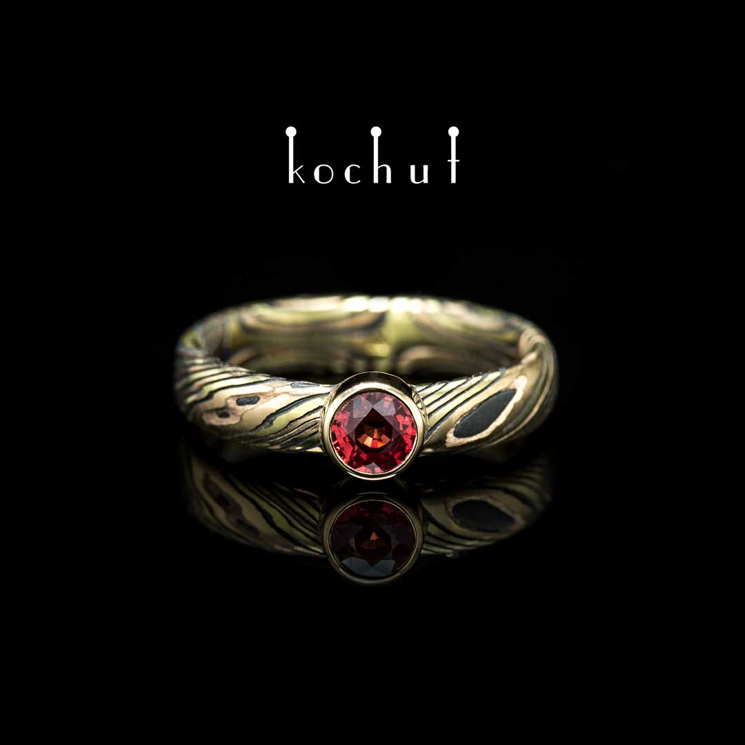 Ring «Scintillation». Yellow, red gold, etched silver, ruby