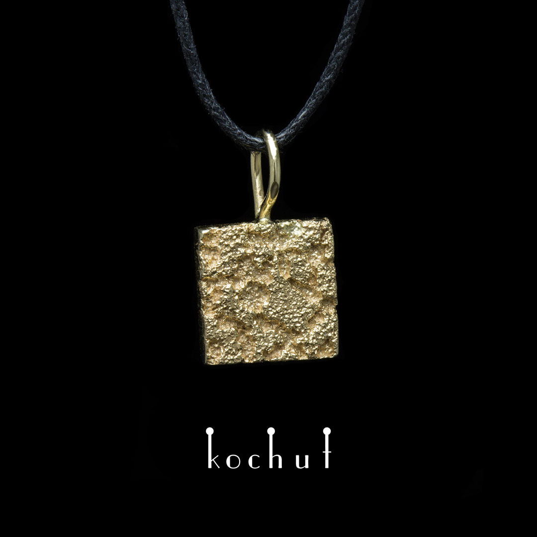 """Pendant """"Soul and body."""" Yellow gold, fusing of yellow gold"""