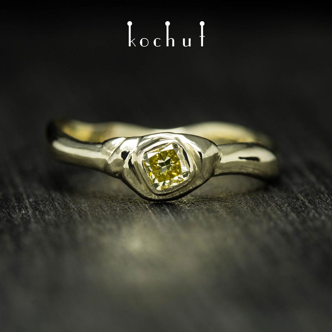 Ring «Mantra ofthe soul». Yellow gold, yellow diamond