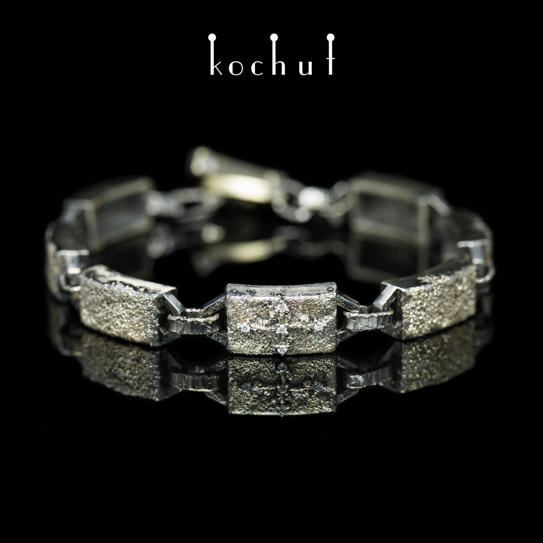 Bracelet «Soul and body.» White and yellow gold, diamonds