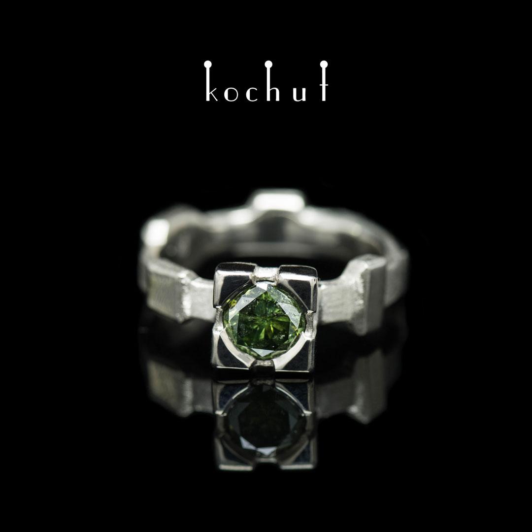 Ring «Equilibrium». Palladium gold, green diamond