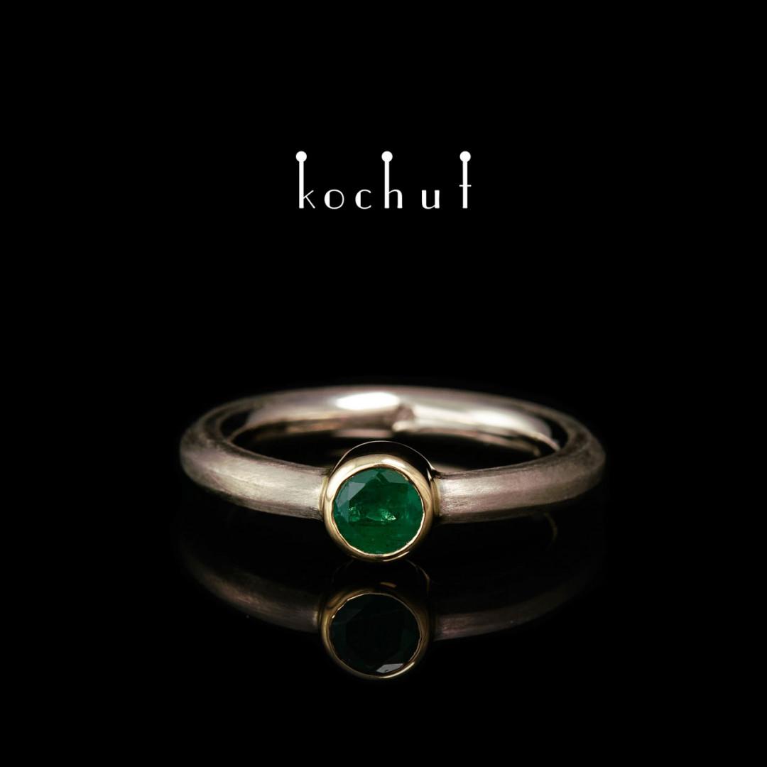Engagement ring «Cinderella». Palladium and yellow gold, emerald