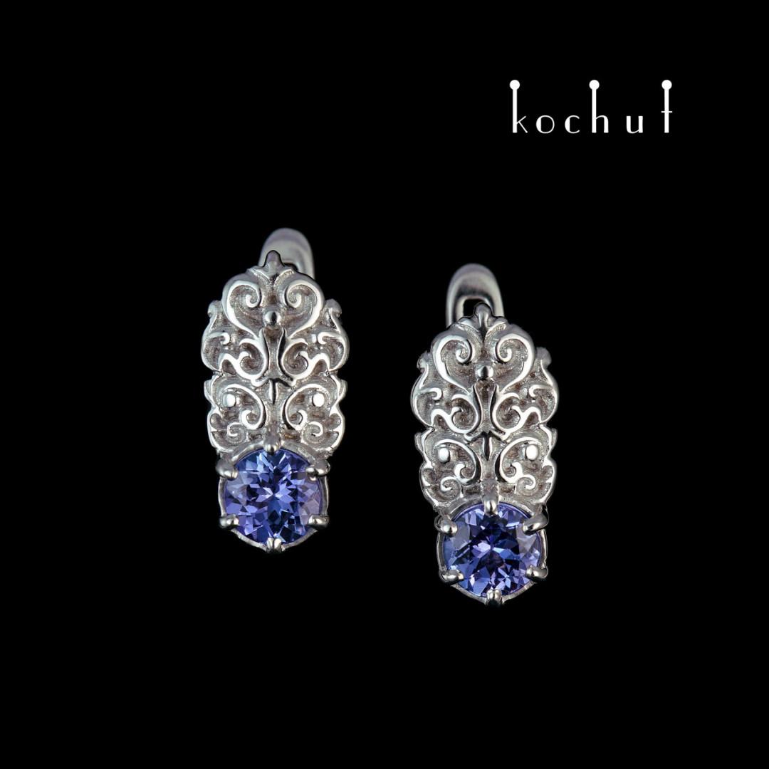 Earrings «The Duchess». White Gold, tanzanites, white rhodium