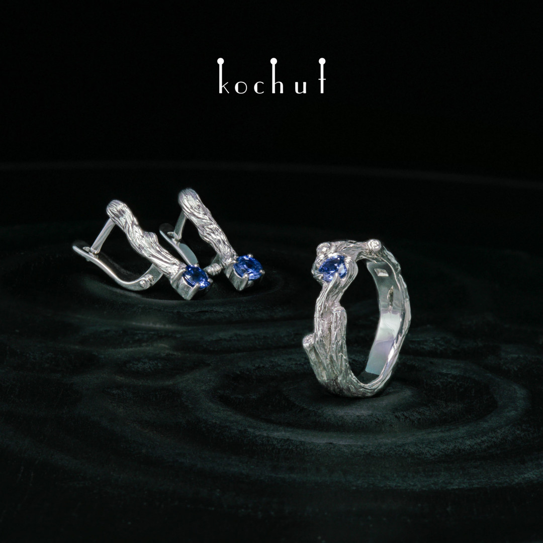 Twig — set of white gold and sapphires