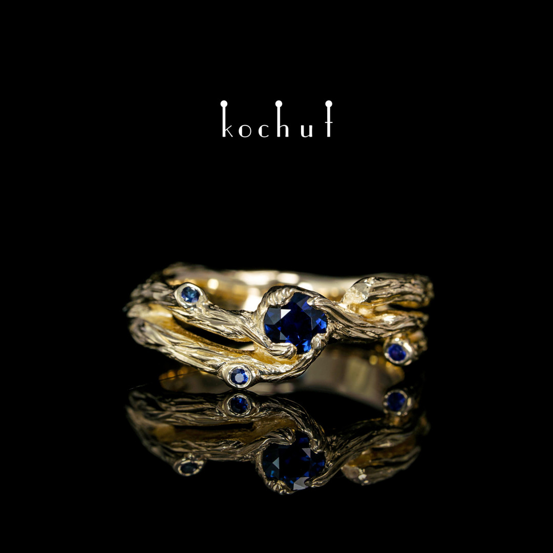 Ring «Twig». Yellow gold sapphires
