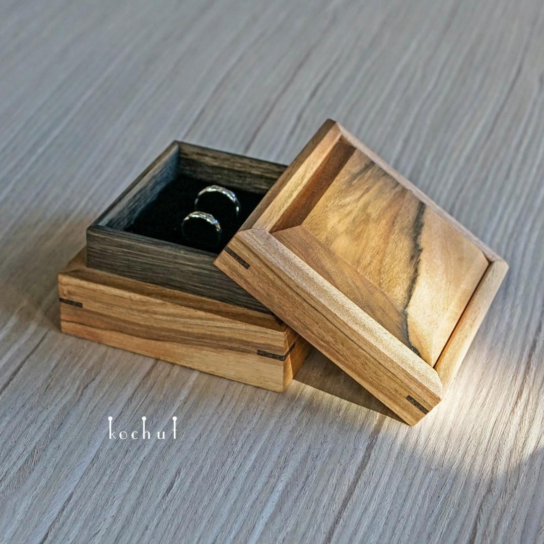 Jewellery box «Relictium». Walnut oil