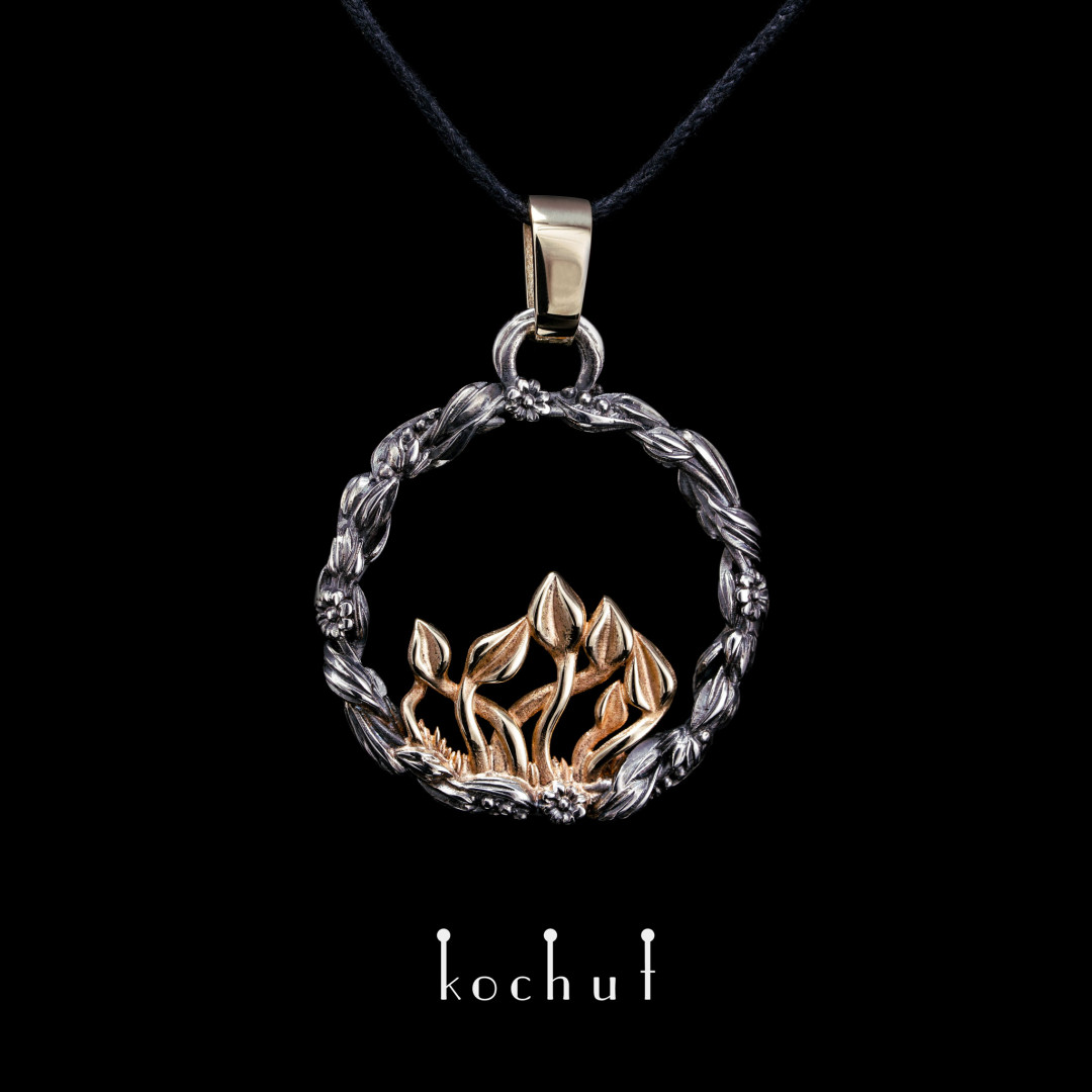 Pendant «The Power of Time». Yellow gold, silver, oxidation