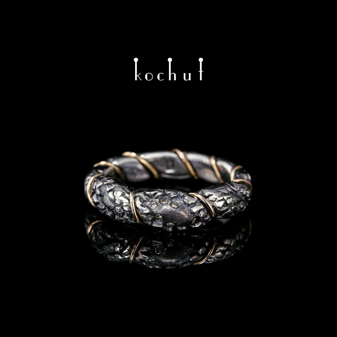 Ring «Strength ofthe Spirit». Silver, yellow gold, diamonds, oxidation