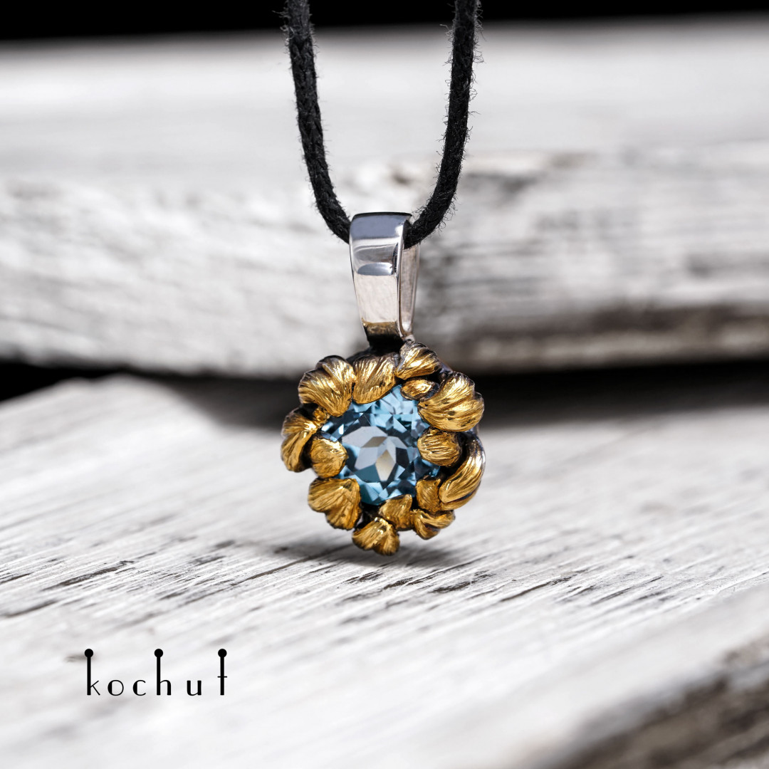 Peony — silver pendant with topaz