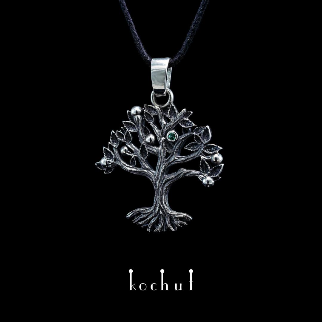 Pendant «Tree». Silver, oxidation, emerald