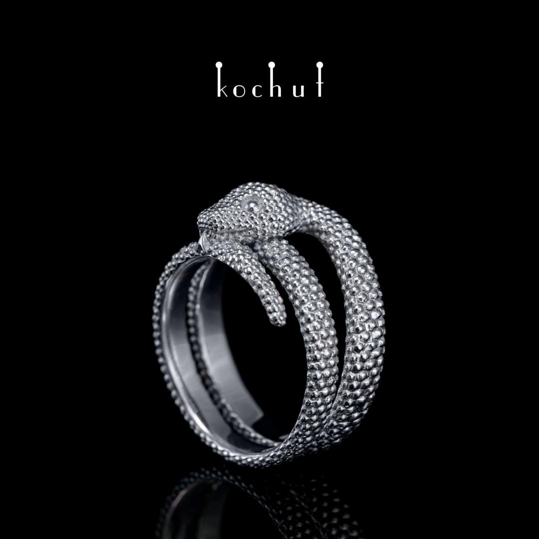Ring «Love of the shrew». White gold, white rhodium