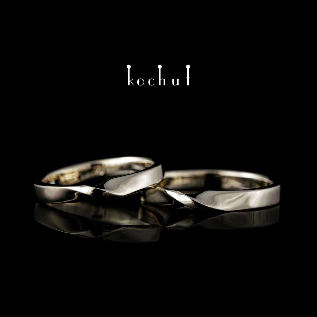 Classic wedding rings «Mobius strip». White gold