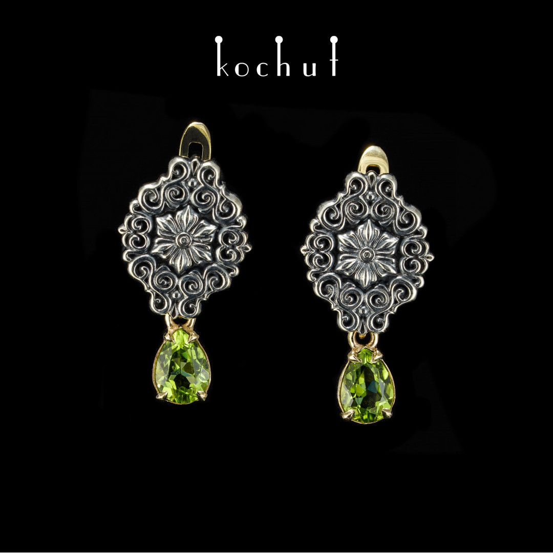 Earrings «Notre Dame». Yellow gold, silver, chrysolite, oxidation