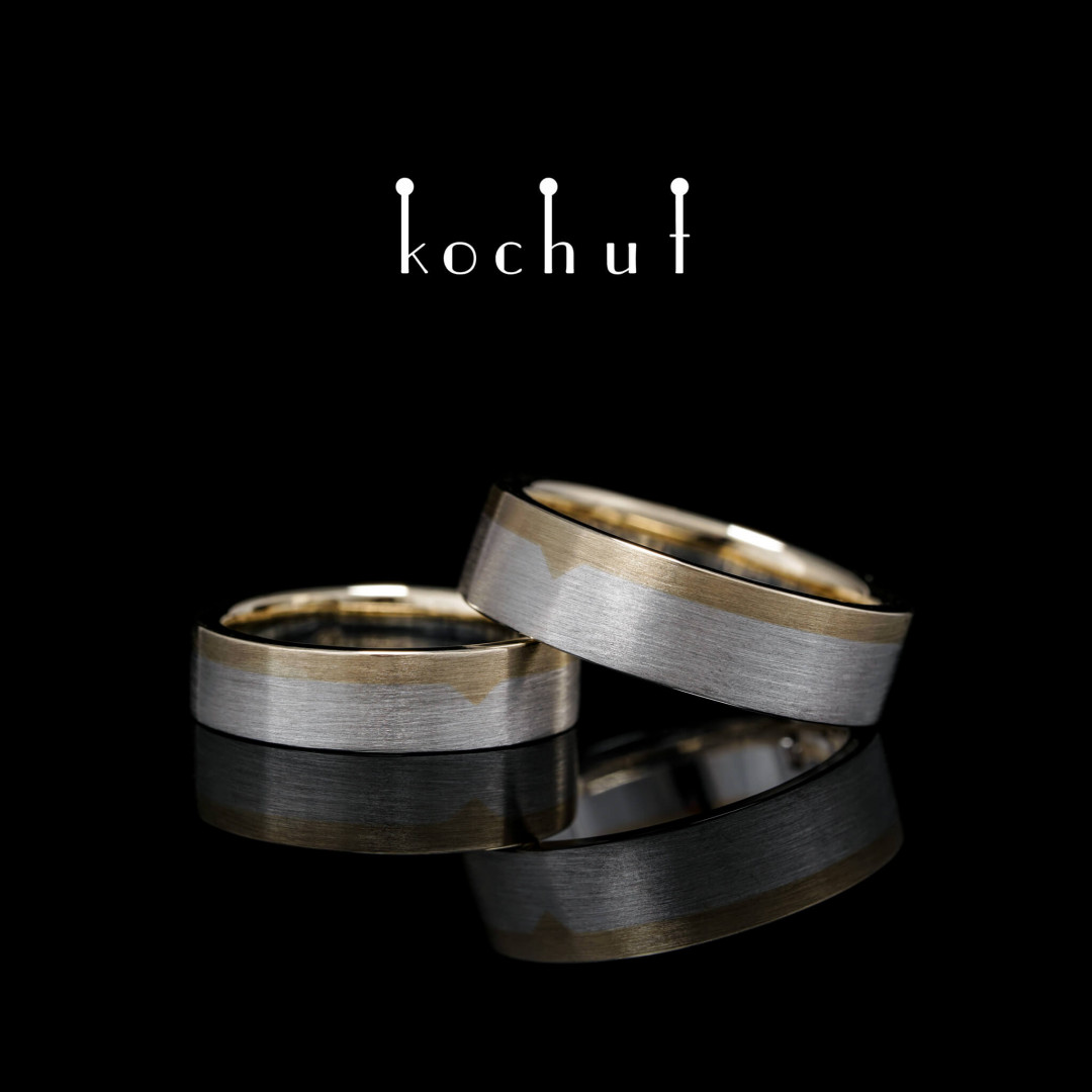Flat-shaped wedding rings «The Last Frontier». Yellow gold, sterling silver