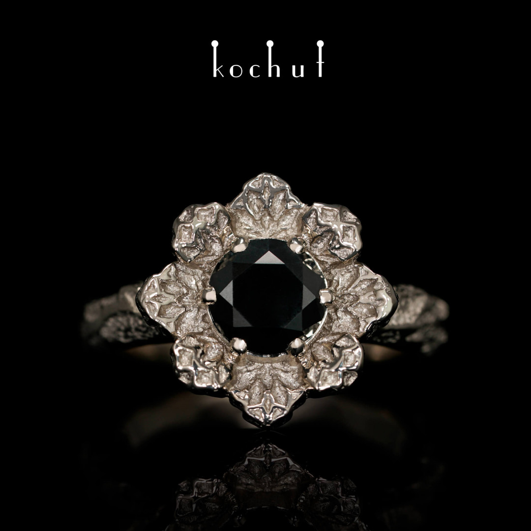 Ring «Ice Flower». Palladium gold, black diamond