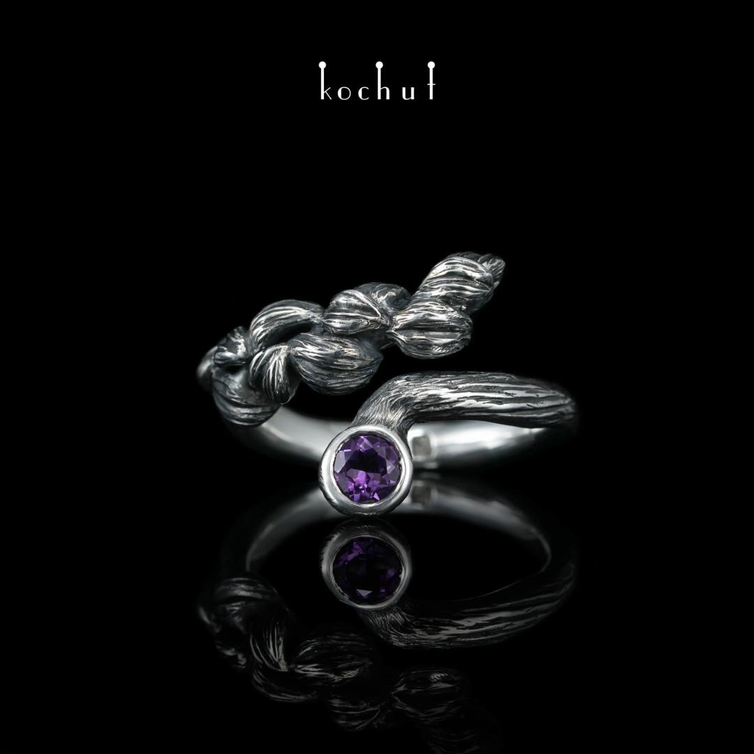 Ring «Flower Rhapsody». Silver, amethyst, oxidation