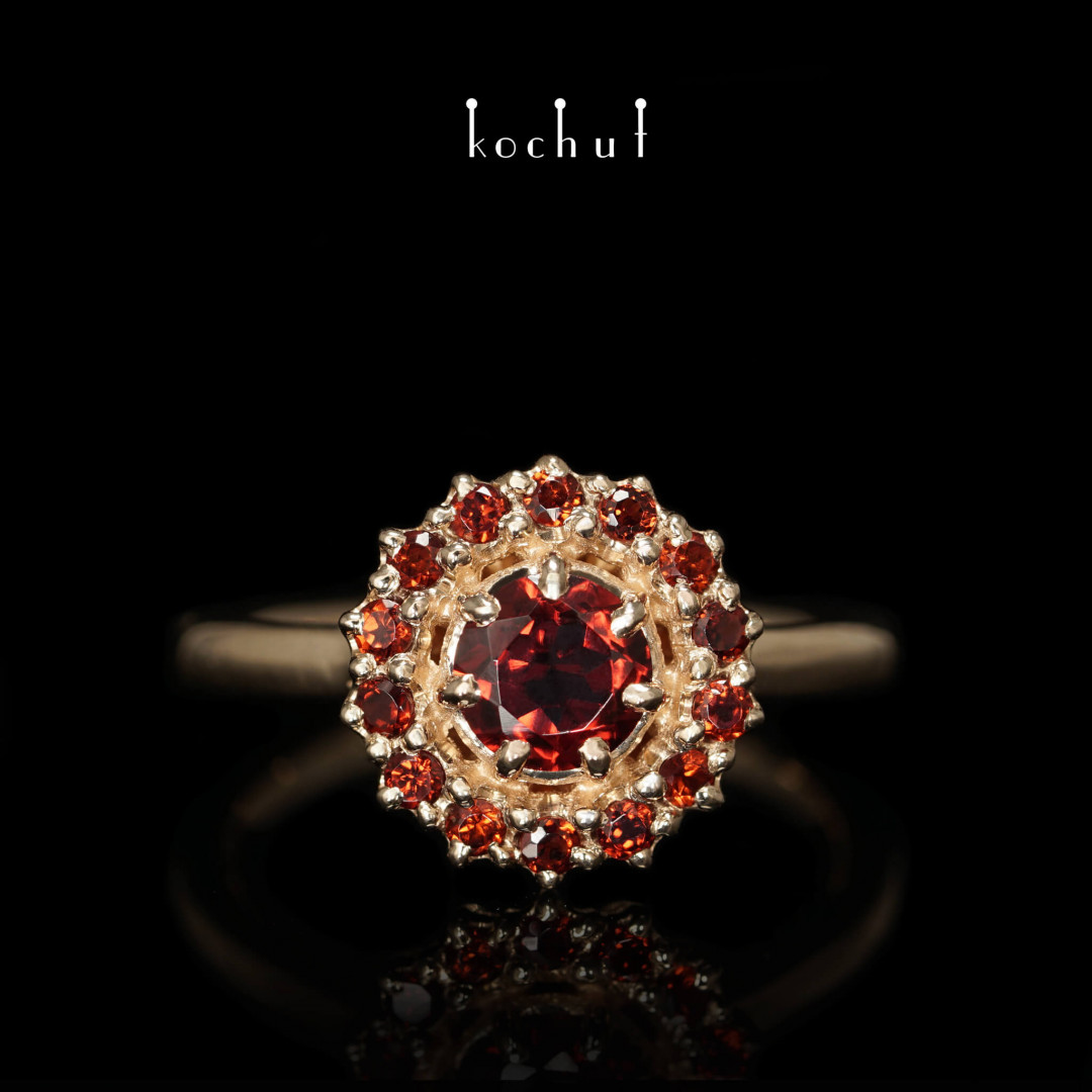 Engagement ring «Garnet Love». Red gold, garnets