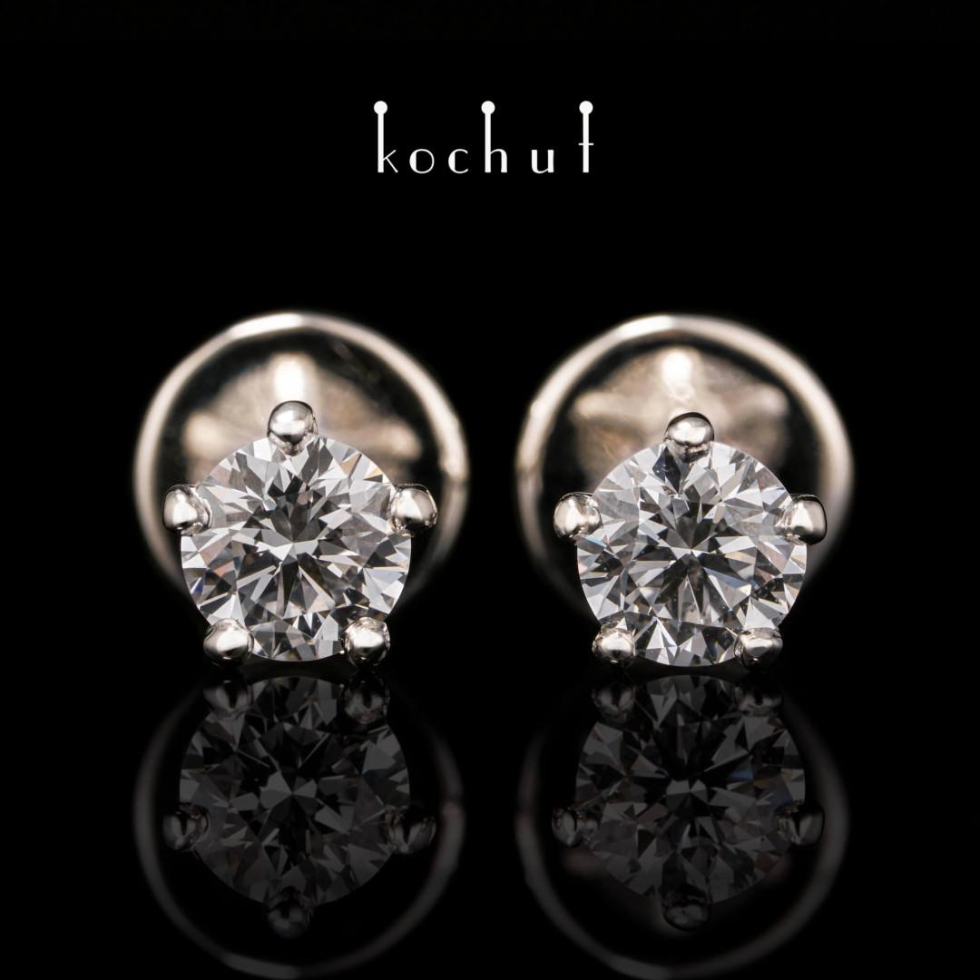 Earrings «Infinity». Palladium gold, diamonds
