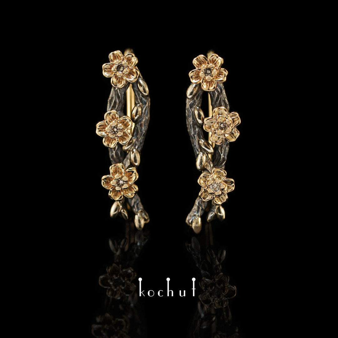 Cuff earrings «Willow twigs with flowers». Yellow gold, silver, diamonds, oxidation