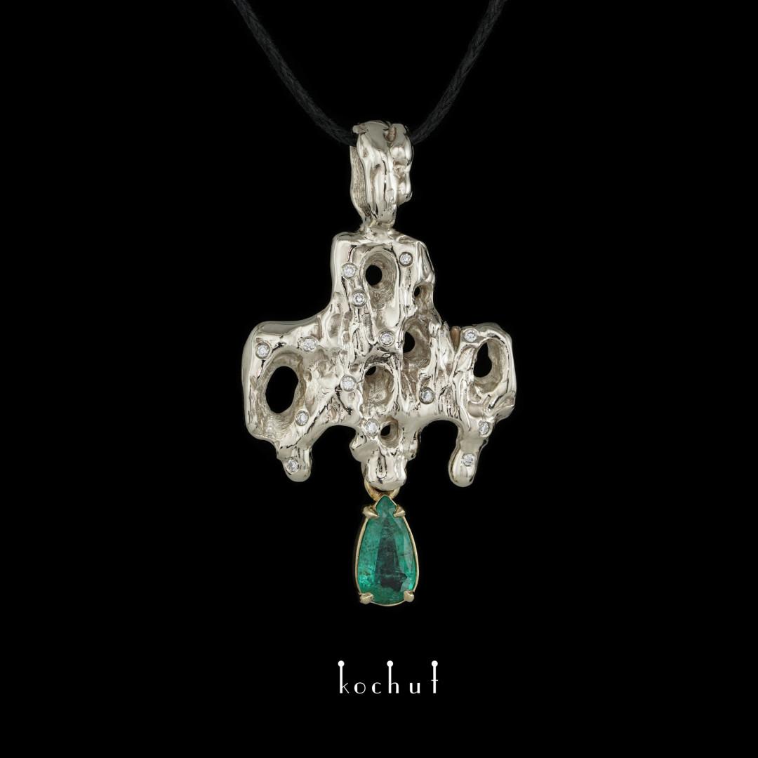 Cross «Memento vivere». White and yellow gold, emerald, diamonds