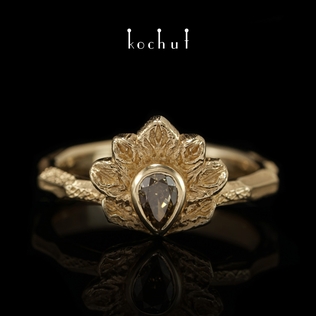 Ring «Firebird». Yellow gold, diamond