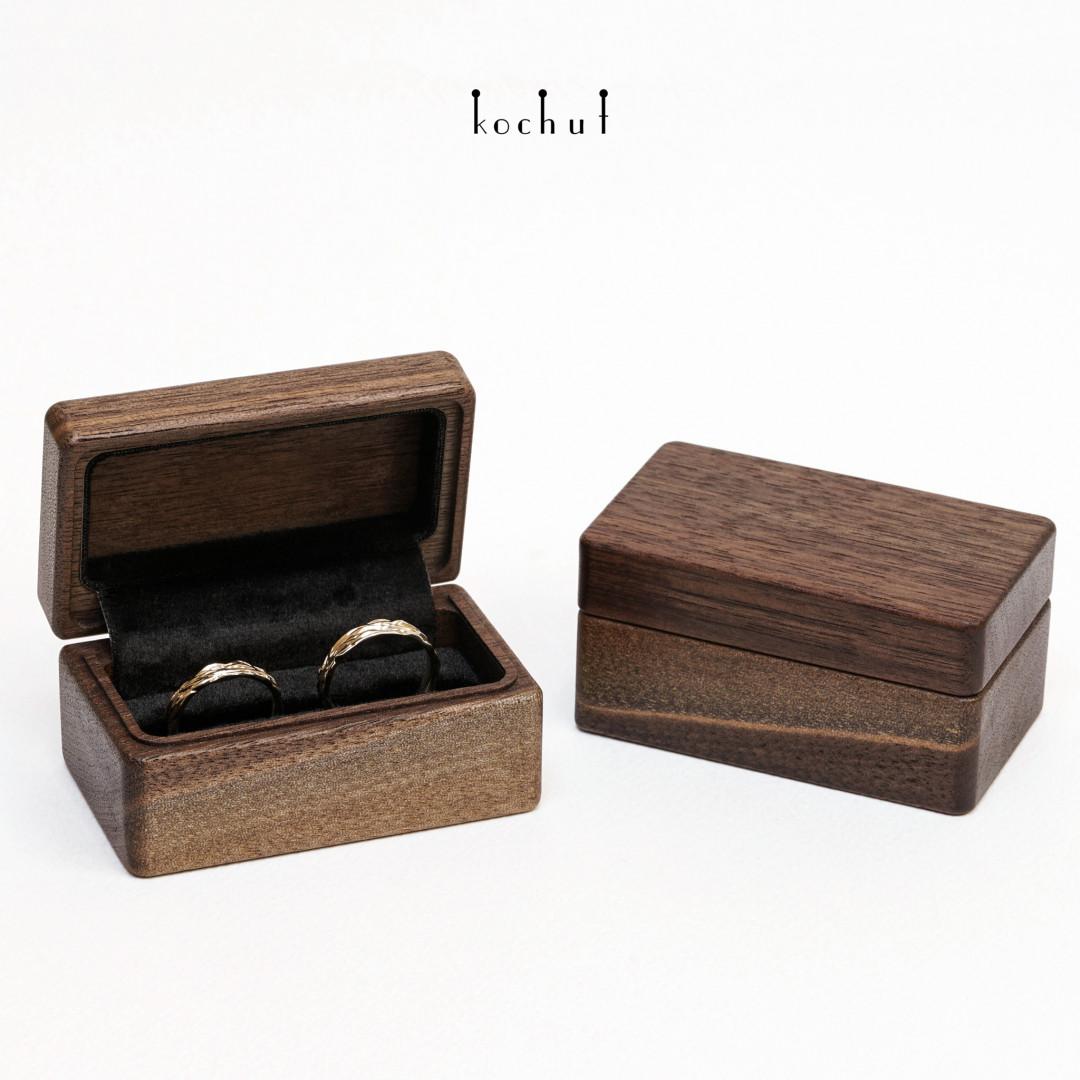 Rectangular jewellery box «The muse». American walnut, oil