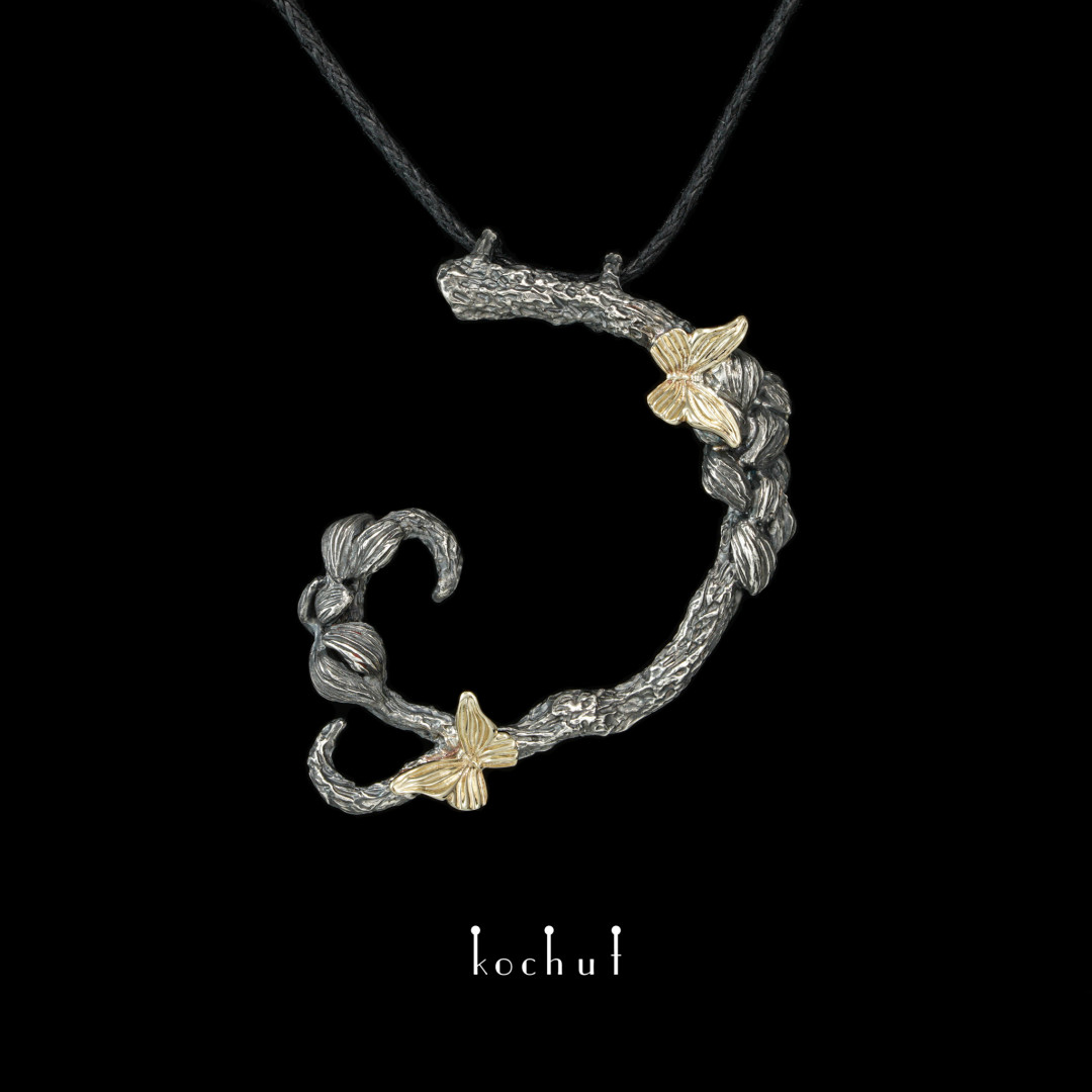 Pendant «Butterfly oflight». Yellow gold, silver, oxidation