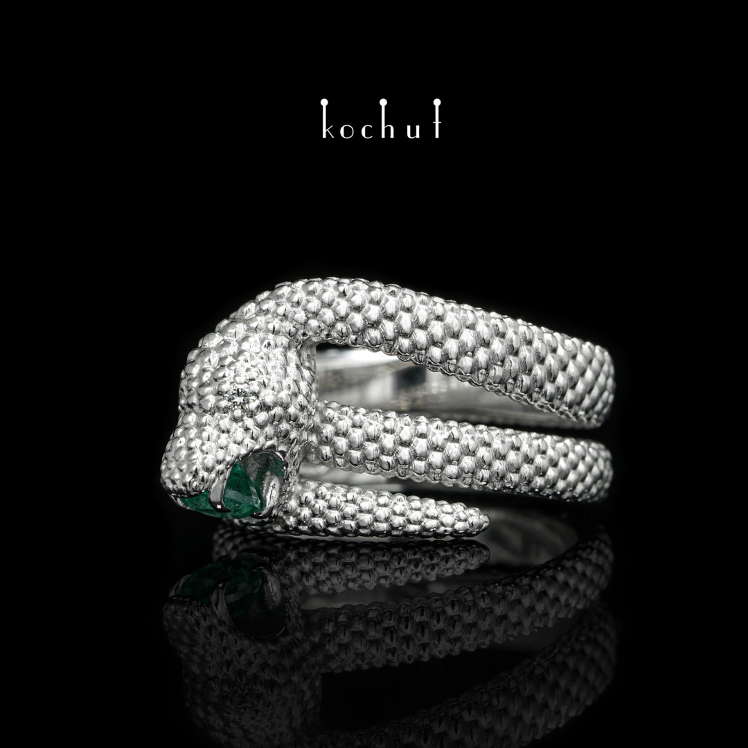 Love of the shrew — white gold ring with emerald and diamonds