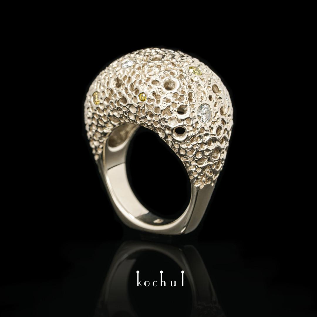 Ring «Asteroid belt: light». White gold, diamonds
